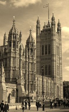 Houses of Parliament, London. Very nice picture.