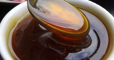 Receita de xarope caseiro para a tosse Ingredientes: 7 colheres de sopa de mel 7 colheres de sopa de açúcar mascavado Sumo de t...