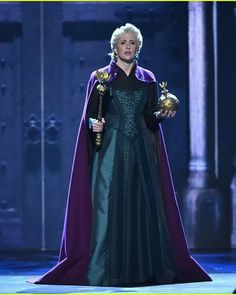 Broadway Costumes, Musical Theatre Broadway, Broadway Nyc, Cool Costumes, Frozen Dress, Elsa Frozen, Disney Frozen, Frozen On Broadway, Frozen Musical