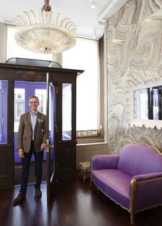 Mish New Yorkrecently opened a new jewelry salon on 30 Bond Street in downtown NYC. The faux finish walls created by decorative artist, Mark Uriu, are a show stopper. Ina Lindemann designed the interiors, and Joseph Singer was the architect on the project. Photos by Miguel Flores-Vianna...