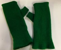 D38 st. Patrck green Cashmere arm warmer by mcleodhandcraftgifts