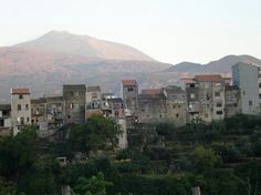 Randazzo postcard, it looks like:-) up to the houses line admire Mount Etna & volcano. Come on this little medieval borough on the slopes of the volcano, take the chance enjoy and reach us:-) Rooms for vacation cooking class available.