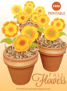 FREE Printable Fall Paper Flowers |  these cheerful printable yellow and orange flowers will brighten your home this autumn. | They're easy to make--just print, cut and glue to toothpicks. | They also make great free cupcake toppers!  #PrintableFlowers #FallFlowers #AutumnTablescapes #FallTablescapes #FreePrintables #CarlaChadwick Table Flowers, Paper Flowers, Flower Template, Orange Flowers, Autumn, Fall, Flower Making, Handmade Art, Cupcake Toppers
