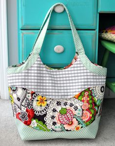 Betz White Smile and Wave Tote by Lindsey R