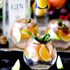 Exciting ways to jazz up your gin and tonics! Some fun flavour combinations to spice up a great classic {recipe} Make Your Own Gin, Craft Gin, African Crafts, Gin And Tonic, Distillery, City Life, Fresh Rolls, Spice Things Up, Spices
