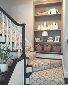 Elegant Painted Stair Runner for Amazing Home Interior - Onechitecture Stairway Decorating, Foyer Decorating, House Styles, Home Remodeling, Interior, New Homes, House, Home Decor, House Interior