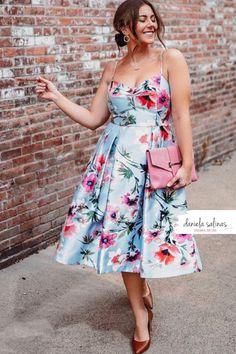 Abito floreale per rendere il tuo look unico. Disegna il tuo stile Daniela Salinas Style Coach www.danielasalinas.com seguimi su instagram dsfashionbook Curvy Fashion, Fashion Looks, Style, Instagram, Swag, Curvy Style, Outfits, Curvy Girl Fashion