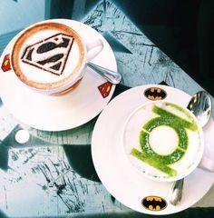 Un burger Batman ou un café Superman : c'est le concept de ce restaurant malaysien. #Bebuzz #Pornfood #Marvel