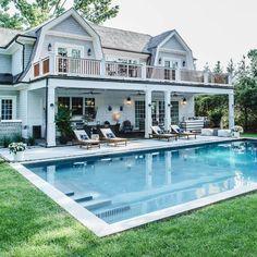 Pool House Designs, Backyard Pool Designs, Small Backyard Pools, Swimming Pools Backyard, Pool Porch, Cottage Floor Plans, Hamptons House, Pool Houses, Beautiful Homes