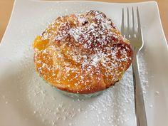 Joghurt-Mandarinen Muffins, ein tolles Rezept aus der Kategorie Backen. Bewertungen: 110. Durchschnitt: Ø 4,6. Macarons, Donuts, French Toast, Deserts, Food And Drink, Cupcakes, Pudding, Sweets, Baking
