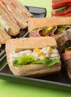 Berkeley Catering can offer the best food options ranging from canapés London menus to buffets and three course meals.