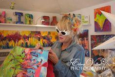 Leoma Lovegrove autographs my flamingo bag from #beallsflorida  © Eileen Vidler Photography
