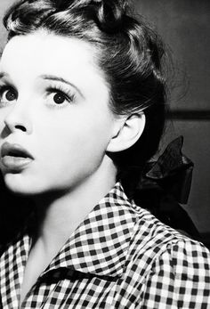 Judy Garland in Little Nellie Kelly, 1940 Golden Age Of Hollywood, Vintage Hollywood, Hollywood Glamour, Hollywood Stars, Classic Hollywood, Hollywood Icons, Judy Garland, Timeless Beauty, Classic Beauty