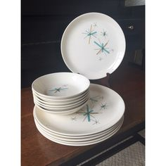 Salem North Star 6 place settings - RARE - Dinner plates, salad plates, coupe cereal bowl, fruit/dessert bowls by shhhitsvintage on Etsy https://www.etsy.com/listing/280377138/salem-north-star-6-place-settings-rare