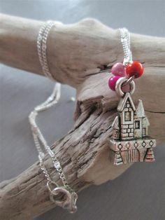 collier argenté °princesse° château perles fuchsia rose orange : Collier par les3filles
