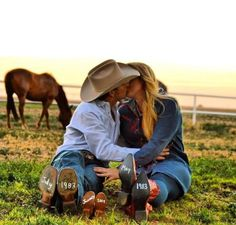 ~Country Love~  Perfect with the horse in the backdrop!