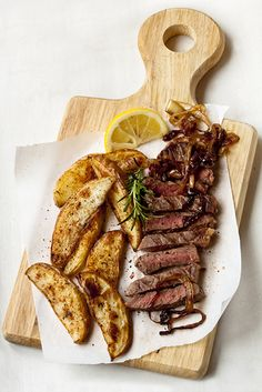 Lemon Pepper Beef Steak and Potato Wedges!  (Calories 168; Fat 4.8g; Protein 26.3g; Chol 60mg; Sodium 99mg.)  www.laurasleanbeef.com