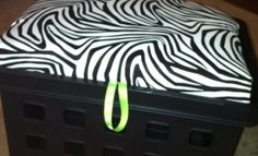 How to Make a Crate Seat - in Zebra Print! Great idea to use a mattress pad instead of expensive foam from a craft store. Done, very easy.