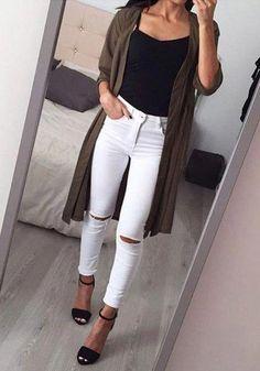f35f28b20b49 80+ Koselig vinter uformell kvinners klær #Uformeltslitasje #kvinnersklær  #jeansRipped White Jeans Winter