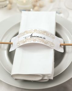 DIY wedding: Wonderful ideas, templates and instructions Reception Table, Dinner Table, Wedding Table, Diy Wedding, Wedding Decorations, Table Decorations, Napkin Folding, Table Cards, Napkin Rings
