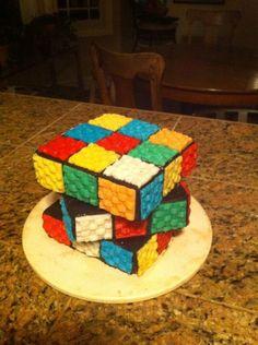 Gateau en forme de cube rubik