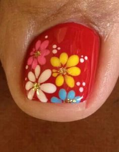 Ladies time to work on those toes before spring hits. Cute Nail Art Designs, Pedicure Designs, Pedicure Nail Art, Simple Nail Designs, Toe Nail Art, Simple Toe Nails, Summer Toe Nails, Gorgeous Nails, Pretty Nails