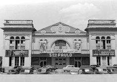 """1952 - Teatro São Paulo, no Largo São Paulo (Liberdade) Bibi Ferreira apresentando  """"Senhora"""""""