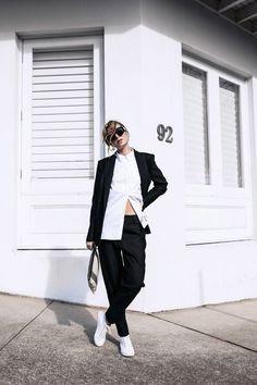 {Black and white.} #flatlay #flatlays #flatlayapp www.theflatlay.com