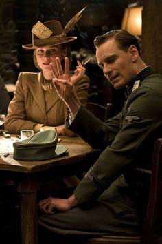 Inglourious Basterds - Diane Kruger, Michael Fassbender(dir. Quentin Tarantino, 2009).