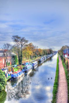 The Bridgewater Canal, Sale. Photo by Catherine Hart. Bridgewater Canal, Herefordshire, West Midlands, Derbyshire, England, Pictures, Photos, England Uk, English