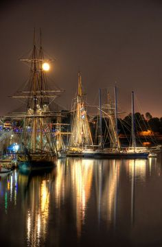 ✭ Sailboat Festival - Montreal, Canada Phil Werking For You via John Leginski onto Boats - Big and Little that I like the looks of Montreal Ville, Of Montreal, The Places Youll Go, Places To See, Am Meer, Tall Ships, Belle Photo, Sailing Ships, Paisajes