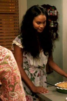 Parenthood Style & Fashion: Joy Bryant, as Jasmine, wore this beautiful Johnny Was Short Sleeve Floral Casing Silk Dress on the NBC Parenthood season 4 premiere Family Portrait