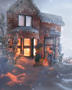 Little Blizzard ✨ Figure Photography, Lego Photography, Macro Photography, Lego Pics, Lego Pictures, Lego Christmas, Christmas Houses, Legos, Lego Winter Village