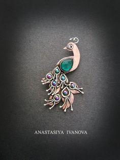 handmade: brooch technique: wire-wrapping materials:silver,copper, quartz, hematite size: 4*7cm