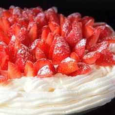 Meringue cake by Matmedmera