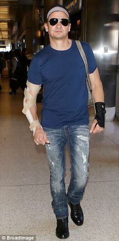 Jeremy Renner Arms splinter from recent on-set injury (7/17/17)