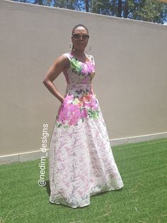 Swans Style is the top online fashion store for women. Shop sexy club dresses, jeans, shoes, bodysuits, skirts and more. Latest African Fashion Dresses, African Print Dresses, African Print Fashion, Africa Fashion, African Dress, African Prints, Elegant Outfit, Elegant Dresses, Nice Dresses