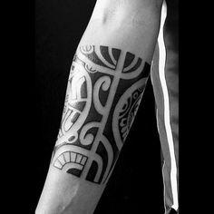 Quarter Sleeve Male Black Ink Hawaiian Style Tribal Forearm Tattoos #hawaiiantattoosforearm