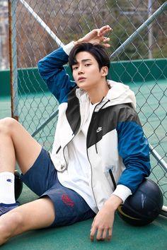 The perfect model! Korean Fashion Men, Korean Men, Korean Actors, K Pop, Pretty Boys, Cute Boys, Kim Myung Soo, Sf 9, Kdrama Actors