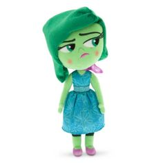 A pesar de su malhumorado carácter, ¡este adorable muñeco está deseando que lo abraces! El personaje de Inside Out tiene un acabado de tela de peluche brillante, y lleva puestos su vestido verde de raso y su pañuelo morado.