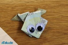 Folding a bill into a frog - folding instructions - Fold banknotes into frogs – in our folding instructions we show you how to do it. Money gifts can - Fun Easy Crafts, Diy And Crafts, Crafts For Kids, Paper Crafts, Kids Origami, Money Origami, Frogs For Kids, Origami Butterfly, Origami Tutorial