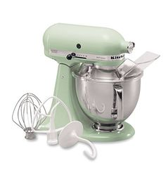 The KitchenAid Series Tilt-back Head Stand Mixer is incredibly versatile and more than a mixer. This model has a motor, 5 quart stainless steel bowl with comfort handle, and a tilt-back mixer head design that provides easy access to bowl and beaters. Kitchenaid Artisan Stand Mixer, Small Kitchen Appliances, Kitchen Aid Mixer, Kitchen Gadgets, Cooking Gadgets, Retro Appliances, Kitchen Kit, Kitchen Supplies, Home