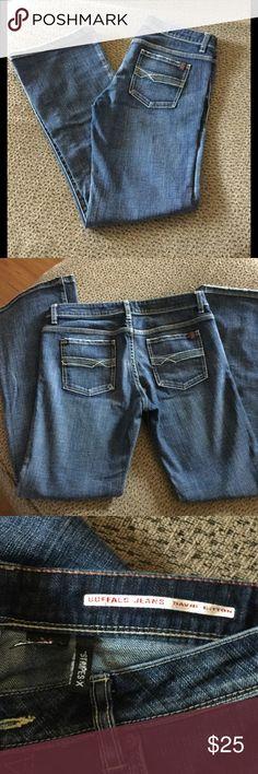 David Bitton Buffalo boot cut jeans David Bitton Buffalo medium wash size 30 jeans Buffalo David Bitton Jeans Boot Cut