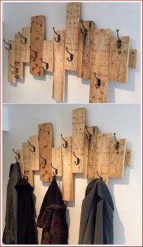 Diy home decor 5 pallet coat racks, wood pallets, wood projects, bathroom hooks Pallet Home Decor, Wooden Pallet Projects, Diy Pallet Furniture, Diy Projects, Furniture Ideas, Project Ideas, Wood Furniture, Furniture Design, Pallet House