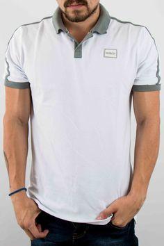 Hombre – www.urbanwear.co Camiseta Polo GOCO -Tshirt @diego08gomez - Model @gallegoedison - Photographer Polo Shirt Design, Polo T Shirts, Diy Clothes, Shirt Designs, Polo Ralph Lauren, Menswear, Mens Fashion, Mens Tops, Style