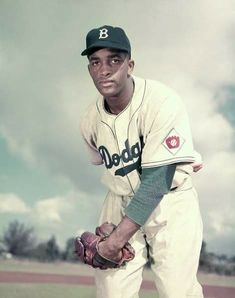 TiSH November 21st, 1952 Dodgers pitcher Joe Black wins NL Rookie of Year