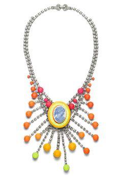 Cameo Samba Drop Necklace