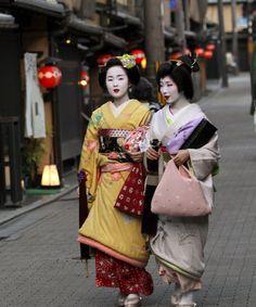 maiko Kyouka and geiko Sayaka