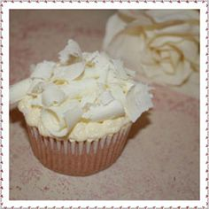 white chocolate mud cupcake