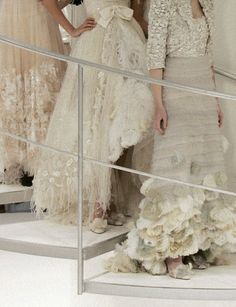 Details from the Chanel Tweed and organza embroidered gowns by Lesage and Guillet from the Chanel Haute Couture Collection Spring 2006 Chanel Couture, Dress Couture, Chanel Fashion, Couture Fashion, Bridal Fashion, Fashion Details, Love Fashion, High Fashion, Couture Details
